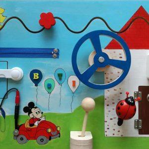 Mickey egér tankol matatófal 40*60 cm festett hátterű